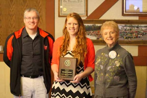 Senior Emalee Cantlin receives award, student leader of the month.