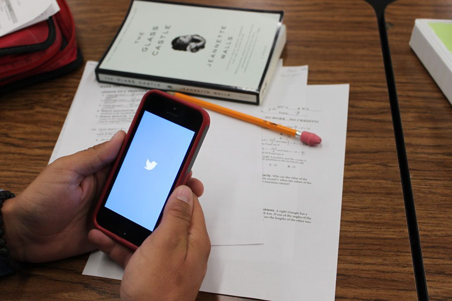 Cell phones frustrate teachers, negatively impact education