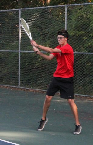 Boys Tennis faces off against Lumen Christi